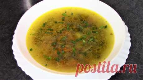 Все просят добавки! Очень вкусный постный грибной суп с макаронами. А тем кто не постится в тарелку к супу можно добавить сметанки! Ингредиенты:   Шампиньоны вареные - 200 гр или свежие - 400 гр Луковица - 1 шт Морковь - 1 шт Картофелины маленькие - 2 шт Макаронные изделия - 50 гр Масло растительное - 4 ст. ложки Овощная приправа вегета - 2 ст. ложки Вода - 1,5 литра Лимонный сок - по вкусу.  Приятного аппетита!