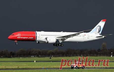 Фото Boeing Dreamliner (G-CKWS) - FlightAware