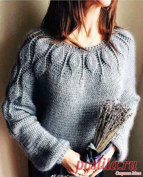 """Пуловер на круглой кокетке """"Листики"""". Круглая кокетка этого изящного пуловера выполнена узором листья.Он переходит и на рукава.  Одна из китайских мастериц связала такой пуловер и делится подробностями его изготовления."""