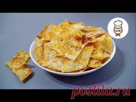 ЧИПСЫ из ЛАВАША / как сделать чипсы в домашних условиях  / CHIPS FROM LAWASHA - YouTube Приготовьте чипсы из лаваша. Ваши дети остануться довольны, да и покупать не придется неизвестно что. Вкусные быстрые хрустяшки из лаваша порадуют всю вашу семью.  Ингредиенты: • Лаваш – 1 шт.  • Масло подсолнечное – 2 ст. л. • Прованские травы – 0,5 ч. л. • Паприка – 1 ч. л. • Соль – 0,5 ч. л.