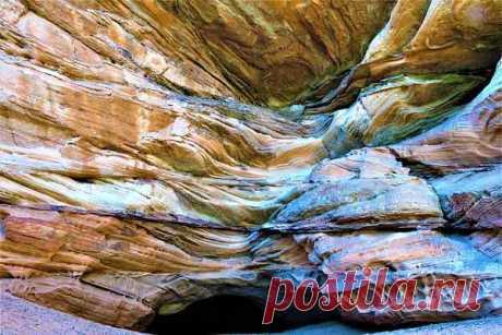 Горные породы (метаморфические, магматические, осадочные): свойства, как различают по происхождению, как образуются, классификация, отличие от почвы