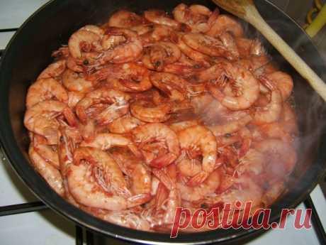 La receta del Langostino bajo la salsa de fuego (Gamberi al sugo fiammato) – las Recetas de la cocina italiana