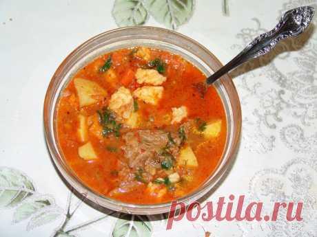 Венгерский густой суп «Гуляш-левеш» (gulysleves) с чопетками