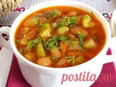 Густой суп с кабачком и белой фасолью (ПОСТНЫЙ) : Первые блюда