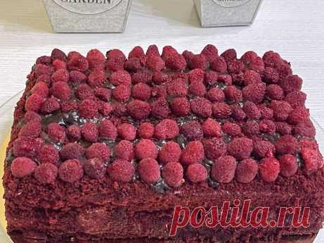 Торт красный бархат, малиновый торт с сметанным кремом   Koolinar.ru – больше 122000 пошаговых рецептов с фото   Пульс Mail.ru мука - 300 гр., сахар - 300 гр., масло растительное - 150 гр., сметана - 250 гр., яйца - 3 шт., какао - 2 ст.л., сода - 1 ч.л., разрыхлитель - 1...