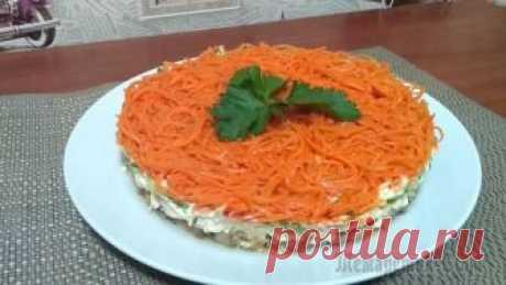 """Салат """"Восторг"""" с грибами и корейской морковью Предлагаю приготовить сытный,вкусный и праздничный салат,который отличается превосходным вкусом и манящим ароматом....Готовиться легко и просто!Ингредиенты: 1.Грибы шампиньоны - 350г2.Огурец свежий - ..."""