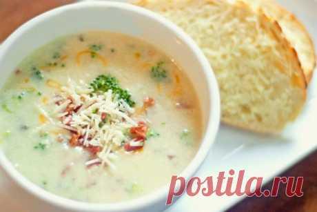 Легкий крем-суп из овощей, рецепт с фото Блюдо, благодаря нежной консистенции, легко и быстро усваивается организмом. Кушанье понравится вегетарианцам и едокам, сидящим на диете.