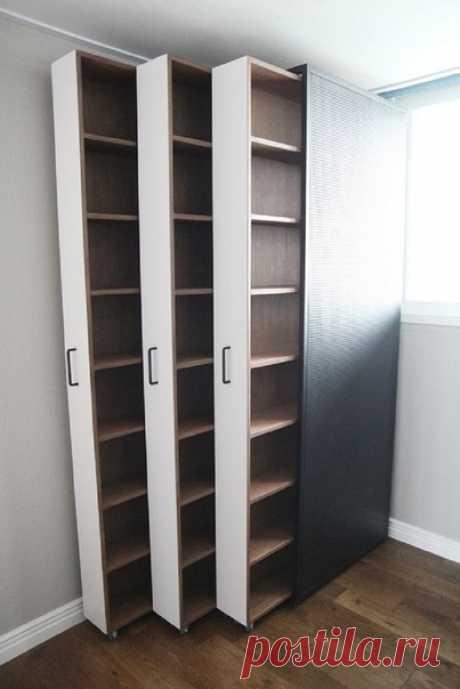 Выдвижные полки, например для скрытой библиотеки 😉
