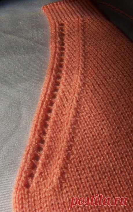 Декоративное оформление: V-образной горловины и линии реглана. (машина) — Isle