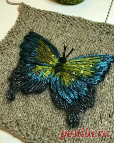 Объёмная вышивка по вязаному полотну