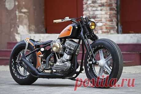 1951 Harley-Davidson Panhead by Thunderbike.