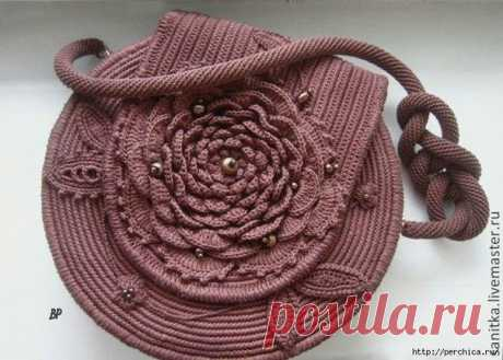 Вяжем сумочку-розу крючком