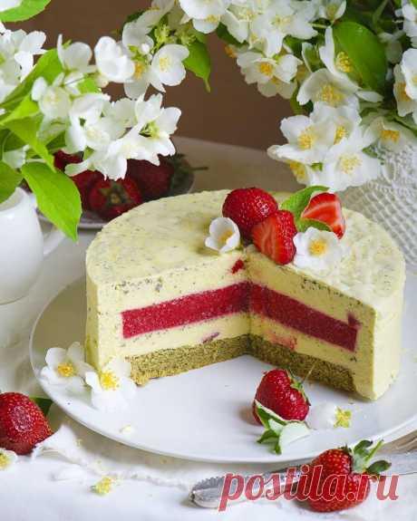 """Муссовый торт """"Клубнично-мятный пломбир"""""""