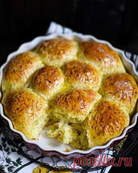 Капустно-морковные пуховые булочки с куркумой — Sloosh – кулинарные рецепты