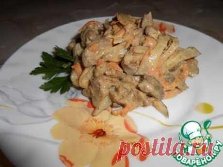 Салат с печенью и кислым огурчиком - кулинарный рецепт