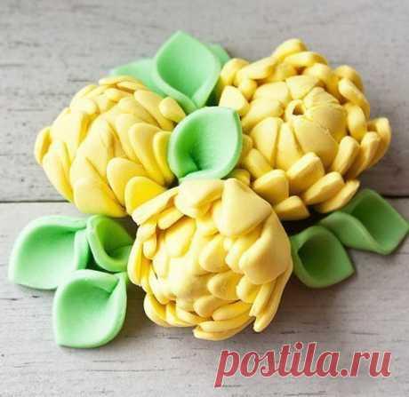 Объемные цветы из мастики. Отлично подойдут для украшения тортов. МК.