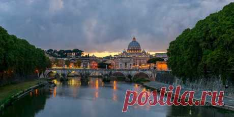 The Tiber with St Peter's Basilica on the Background  | Night Pictures of Rome, Italy Reveal Glorious Rome Tourist Attractions – Page 2