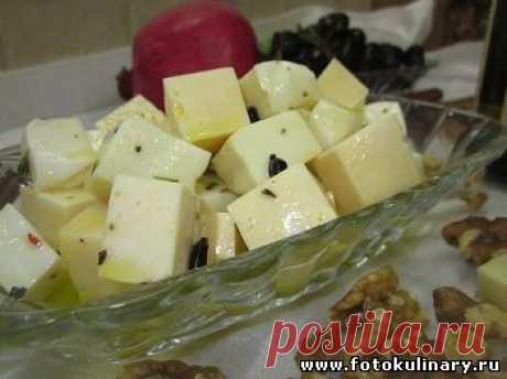 Сыр в медовом маринаде.