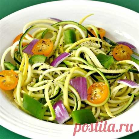 Салат из кабачков - вкусный салат из обычных продуктов