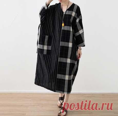 Maxi dress in black, Women's linen Dresses, Loose long Dresses, Bat sleeve Dresses, maternity dress 【Fabric】 Cotton, linen 【Color】 black 【Size】 Shoulder width is not limited Bust 168cm / 66 Shoulder + sleeve length 60cm /23.4 Cuff circumference 27cm/ 11 Length 115cm / 45 Pendulum circumference 140cm/ 55   Have any questions please contact me and I will be happy to help you.