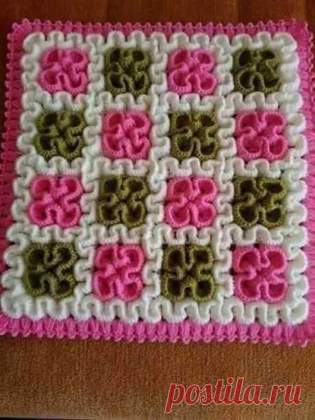Идея для коврика: вязание столбиками с накидом вверх по филейной сетке