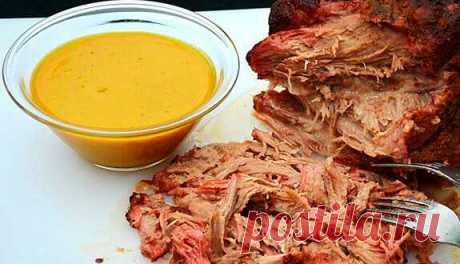 «Рваное» мясо с соусом барбекю: американская кухня - Академия T-Bone «Рваное» мясо с соусом барбекю – это одно из самых популярных американских блюд. Суть в том, что говядина готовится длительное время при низкой температуре