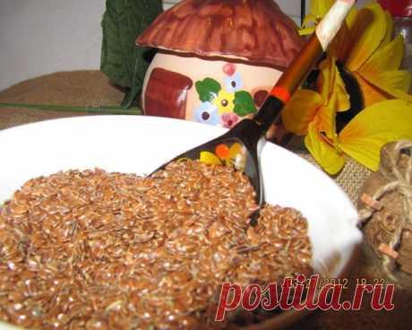 """La semilla del lino - el método simple de \""""la limpieza general» del intestino\u000a\u000aSe sabe que para la liberación de muchas enfermedades basta de purgarse de la mucosidad, los coprolitos, los parásitos.\u000a\u000aEn 70 años de la vida a través del intestino pasa 100 toneladas de la comida y 40 mil de litros del líquido. El total: en el intestino se acumulan más de 15 kg de los coprolitos, retiradas tóxicas de la actividad vital que envenenan la sangre y que ponen el daño irreparable a nuestro organismo.\u000a\u000aSobre lo que el intestino es ensuciado, testimonian frecuente por..."""