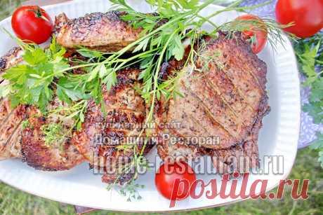 Стейк из свинины на мангале (корейка на косточке)