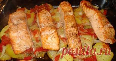Пошаговый рецепт запеченного лосося с картофелем Это, пожалуй, одно из самых вкусных рыбных блюд, которое я пробовала!