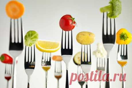 Самые полезные фрукты и овощи для здоровья: как их цвет влияет на организм Для хорошего самочувствия человеку необходимо в день съедать не менее 500 г овощей и фруктов.