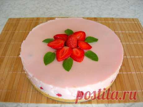 Клубничный йогуртовый торт (не нужно выпекать)