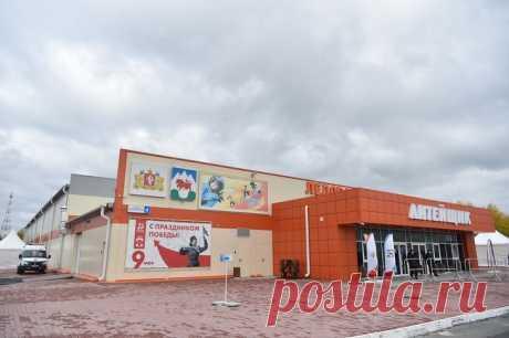2020 сентябрь. В г. Сухой Лог (Свердловская область) открыли новую ледовую арену «Литейщик». Её площадь составляет 3200 м²