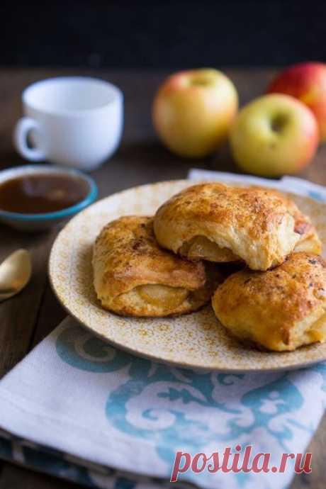 Яблочные слойки: приятное мягкое тесто и сочная фруктовая прослойка! | PASTRY CHEF | Яндекс Дзен