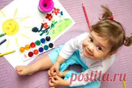 Творчество - основа успешного развития ребенка Для начала давайте разберемся, что же такое творческая деятельность? Многие считают, что творчество – это рисование, но это не так. К творчеству можно отнести любой вид деятельности, в результате которого мы получаем качественно новые материальные или духовные ценности. Т.е. к творчеству мы можем отнести танцы, пение, поэзию, лепку, аппликацию и конструирование. Итак, творческая деятельность влияет на развитие когнитивных процессов (память,…