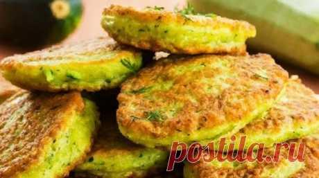 Четыре рецепта вкусных оладий из кабачков
