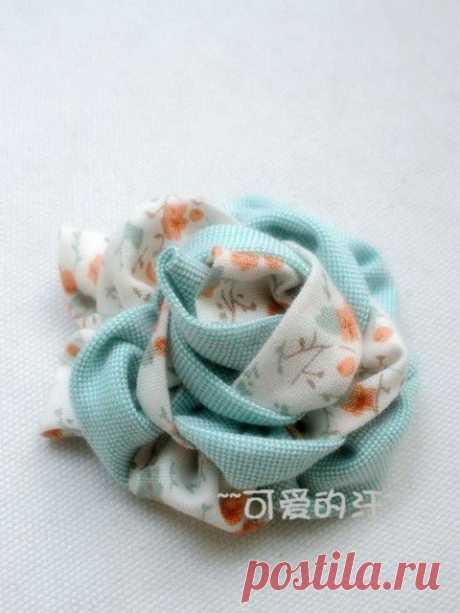 Двухцветный цветок-украшение из ткани | Умелые ручки