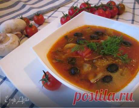 Грибная солянка (постная). Ингредиенты: грибы, лук репчатый, морковь