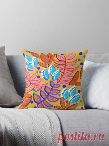 Cojín 'Hojas caprichosas' de TinaSalazar Millones de diseños originales hechos por artistas independientes.