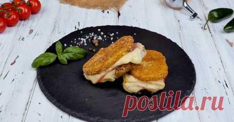 Рецепт картофельных бутербродов с сыром и салями на сковороде Всё дело в панировке.