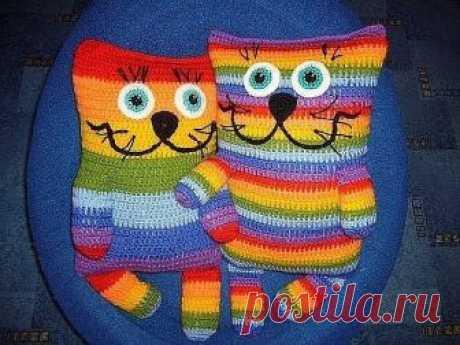 Las almohadillas-gatitos entretenidas