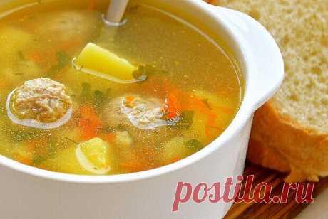 Чтобы желудок работал, как швейцарские часы, ему необходима порция теплого лёгкого супчика каждый день!    ПОДБОРКА СУПОВ ПРАВИЛЬНОГО ПИТАНИЯ  Суп с фрикадельками  Ингредиенты  - вода 2л - мясной фарш 200г - морковь 100г - картофель 300г - рис 100г - зеленый лук 40г - соль, перец - лавровый лист  Приготовление  1. Вскипятить воду, положить натертую морковь, картофель. 2. Из фарша сформировать фрикадельки. 3. Когда картошка будет уже наполовину готова, вбросить фрикадельки,...