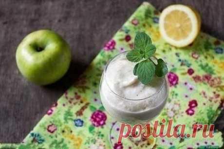 Яблочный крем — очень простой в приготовлении диетический десерт, который не навредит фигуре и при э