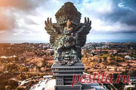 Гаруда Вишну Кенчана — гигантская статуя на Бали | Pentad