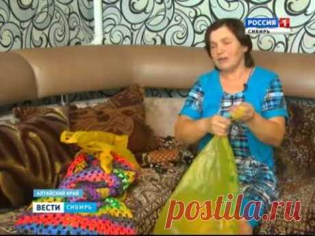 Ковры из полиэтиленовых пакетов плетет жительница Алтайского края