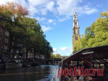 Город Амстердам: музеи, каналы и 'Господь наш на чердаке' .