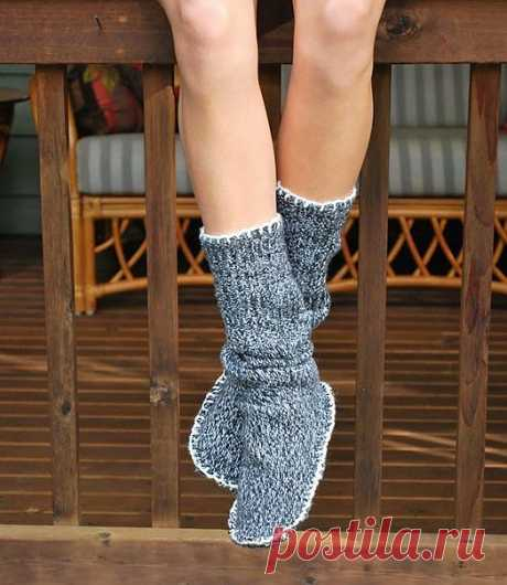 Уютные домашние сапожки -носочки из старого свитера   СВОИМИ РУКАМИ