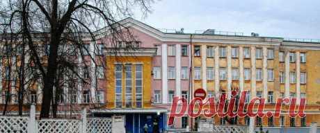 Сын, который не родился 20 марта 2020 года… Большой дом Сталинской постройки, с разрушающимся фасадом. Покосившиеся деревянные рамы окон с разбитыми кое-где стеклами. Высокий бетонный забор в виде решетки. … Читай дальше на сайте. Жми подробнее ➡