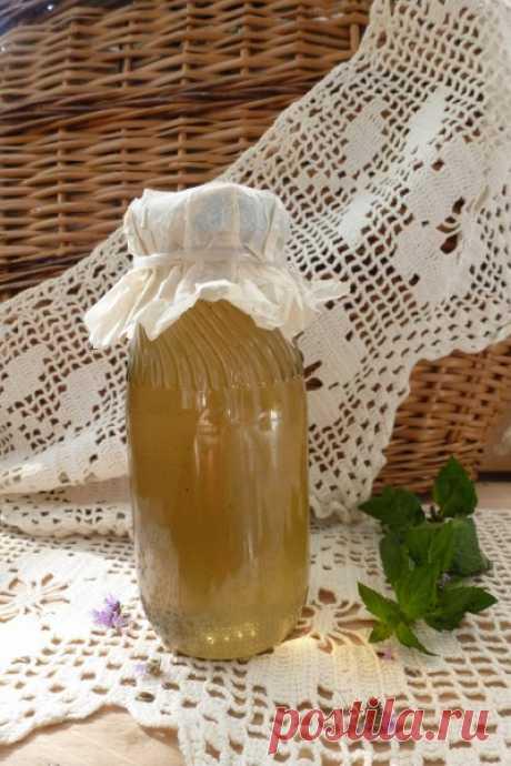 Варенье из мяты Итак,нам надо 200 грамм мяты,0,5 кг сахара,стакан воды,лимонная кислота-щепотка. Мяту режем вместе со стебельками,цветами и листиками,засыпаем половиной сахара на 6 часов(я на ночь делала).перемешайте и уплотните разок-другой. Затем варим сироп из остатков сахара,воды,лимонки. Заливаем мяту и…