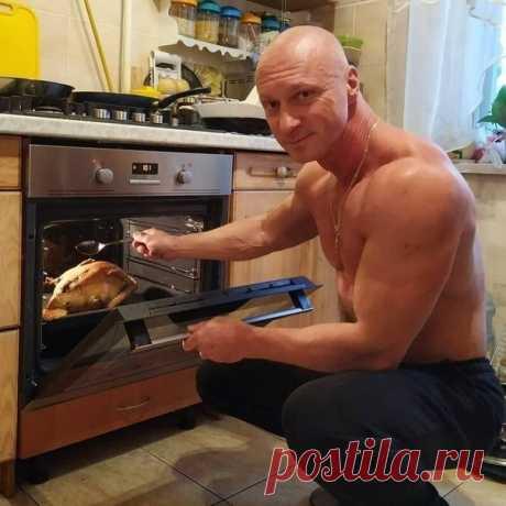 А ваши мужья помогают вам на кухне?