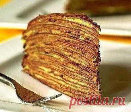 Блинный торт с бананом: вкуснейший десерт!  Итого на 100 грамм 154.6 ккал Б/Ж/У 7.8 / 3.3 / 23.2    Ингредиенты:  Для блинчиков:  300 мл молока;  200 г овсяной муки;  1 яйцо;  Подсластитель.    Для крема:  1 крупный банан;  150 г творога;  20-30 мл молока.    Приготовление:  Готовим блины: тесто хорошенько размешать, чтобы было без комочков. Получается достаточно жидкое, поэтому блинчики выходят тонкими, снимаются со сковороды сложно. Если возникнут трудности - добавьте му...